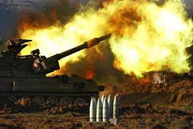 Postazione mobile dell artiglieria israeliana - Copyright © 2009 Reuters - Tutti i diritti riservati