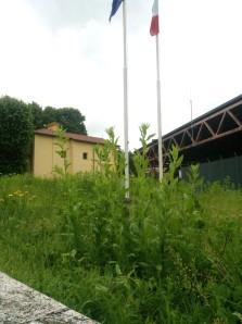 piazzale caserma Carabinieri