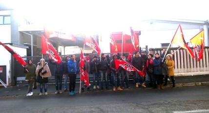Protesta-a-Muggio-lavoratori-Toncar-sulle-barricate-588b096d0cb8a2.jpg